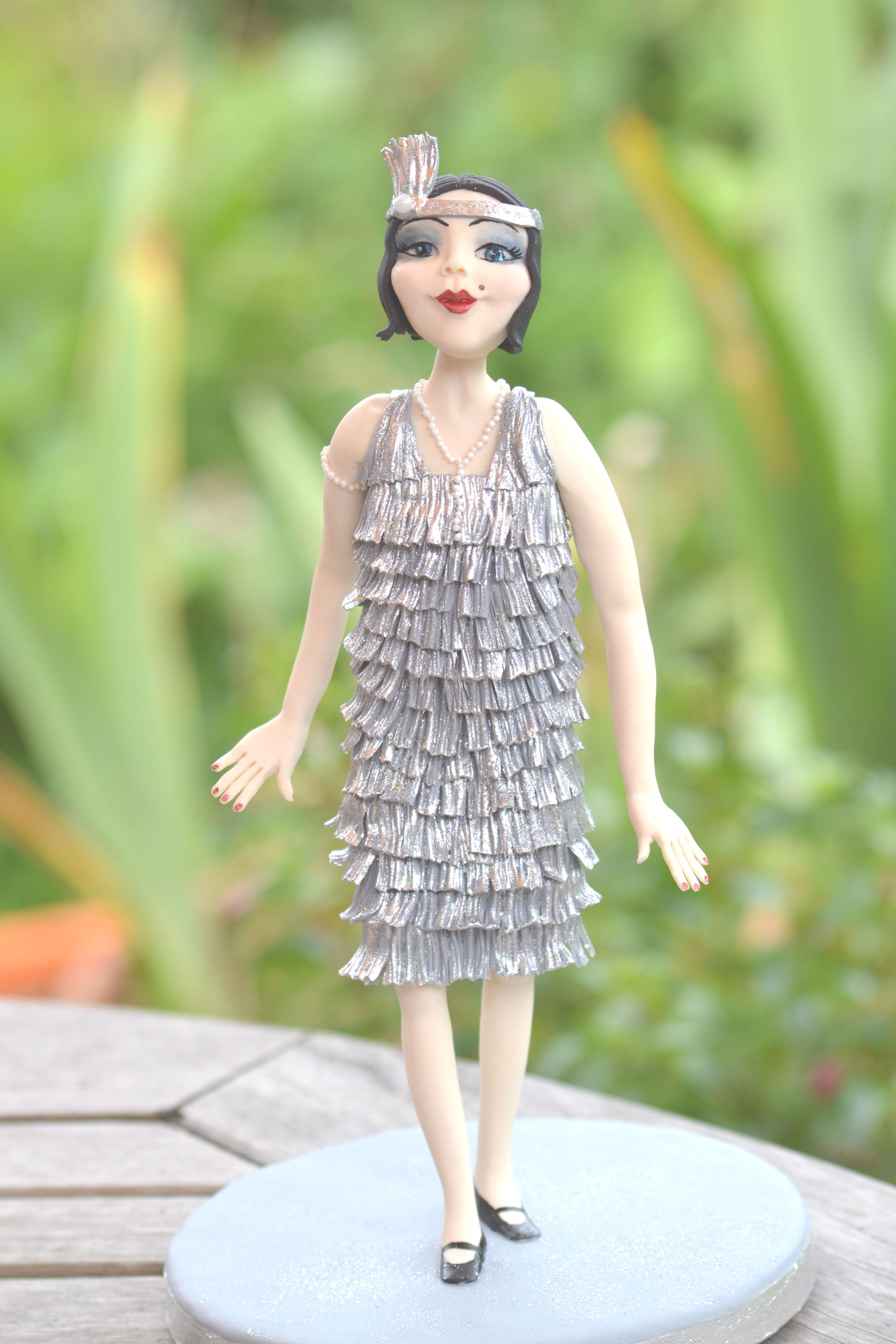 Flapper Girl Sugar Modelling Tutorial