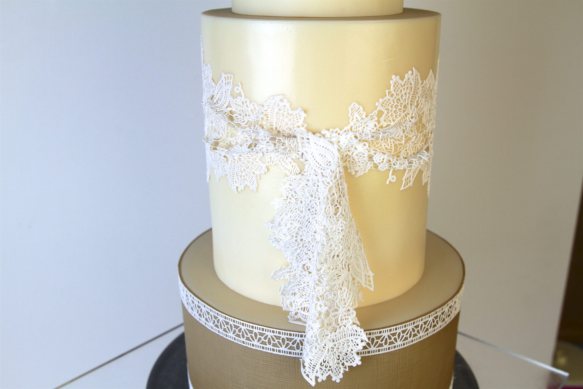 CMM FEB18 - Shabby Chic Cake - Iris Eger, Ribiselchen