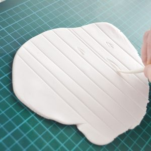 how-to-make-fondant-look-like-wood