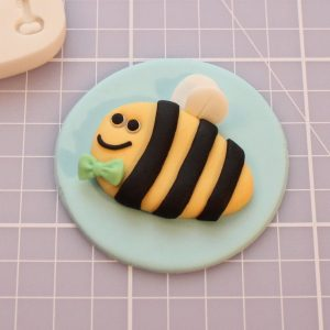 cupcake toppers with bees