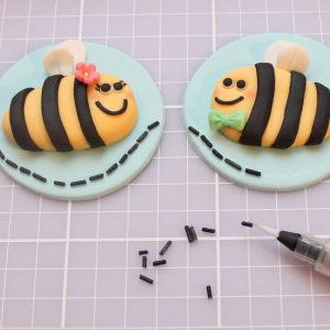 cute cupcake designs bees