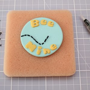 bee mine cake design
