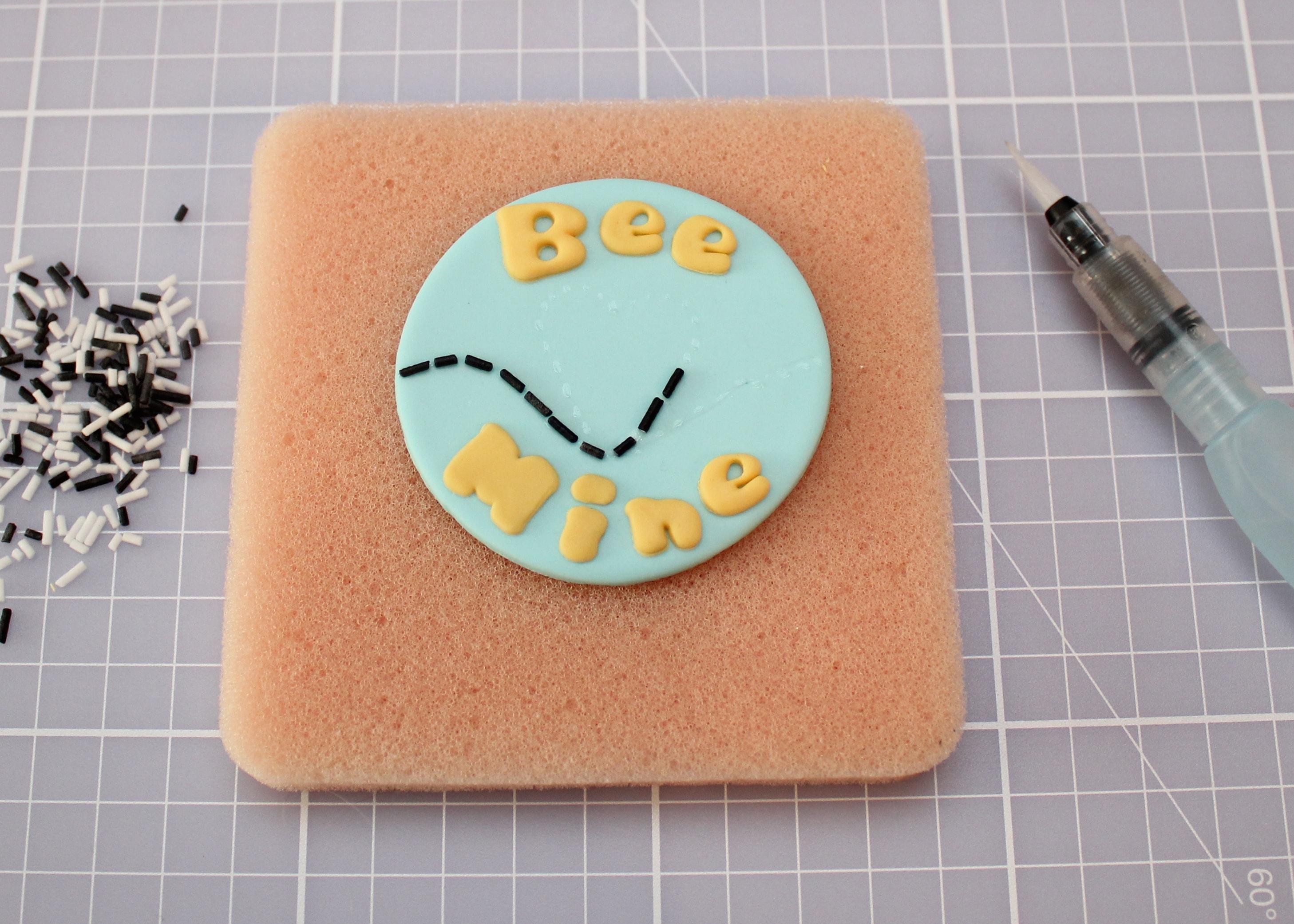 bee mine cake design