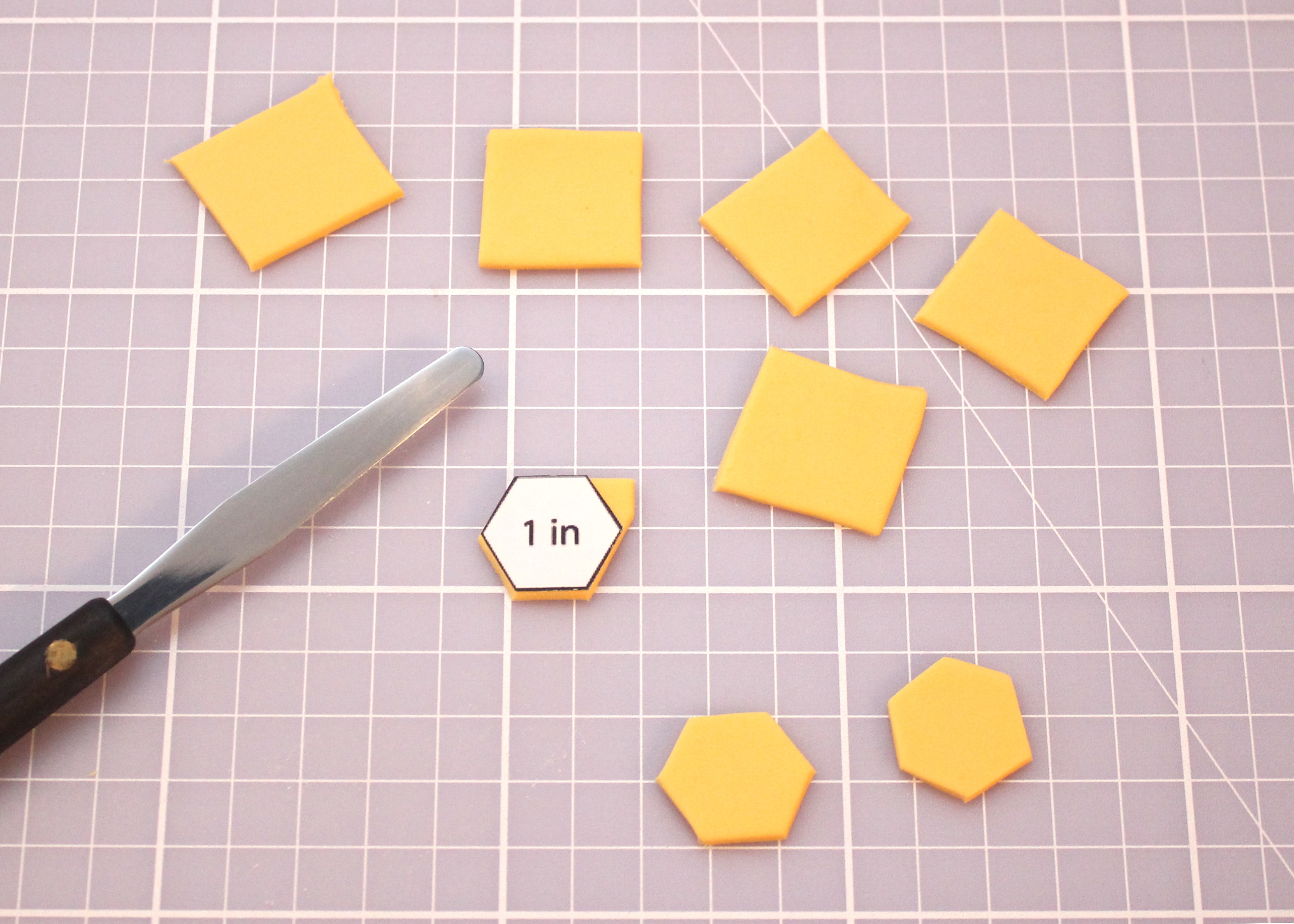 Bee cupcake toppers diy