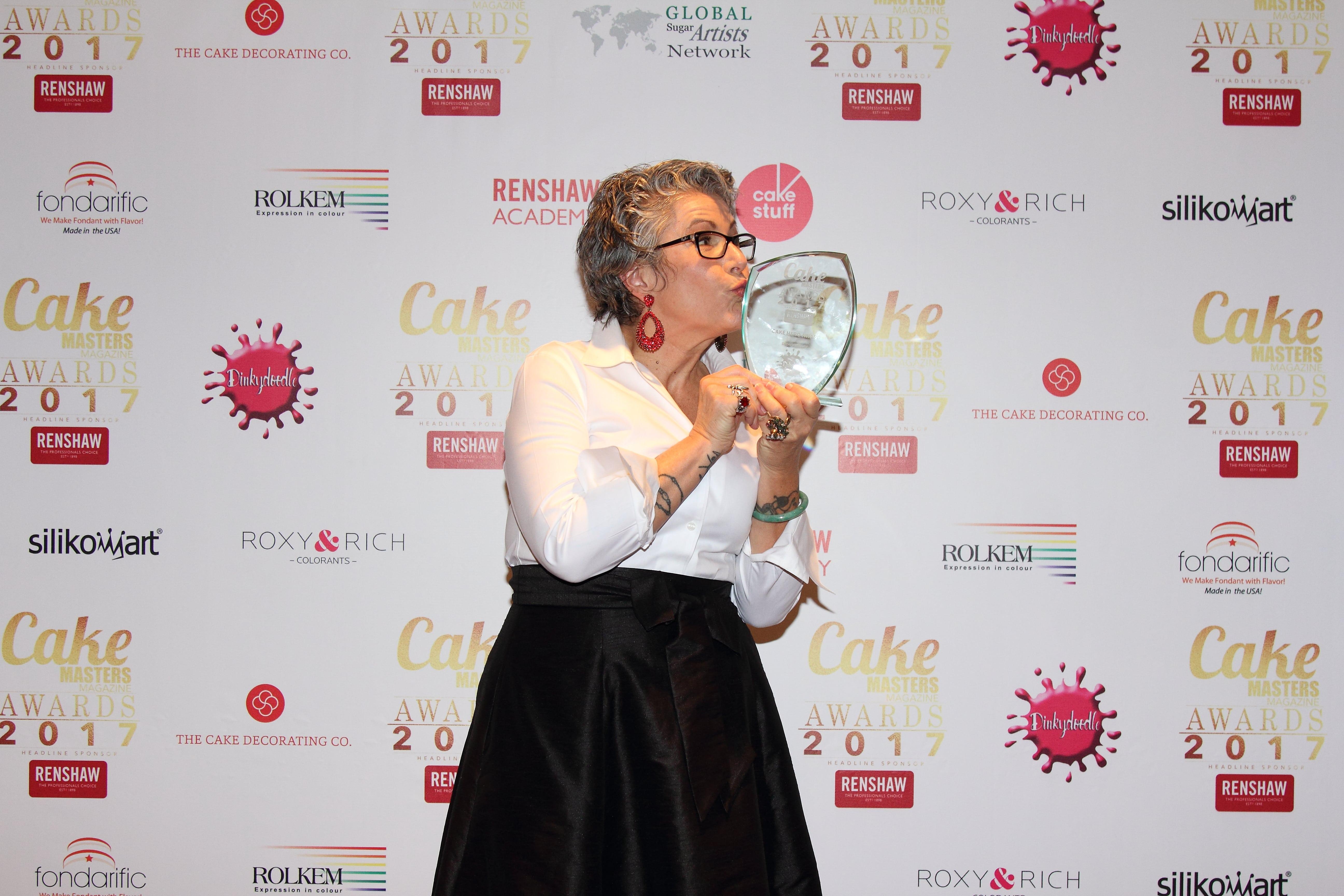 cake hero award