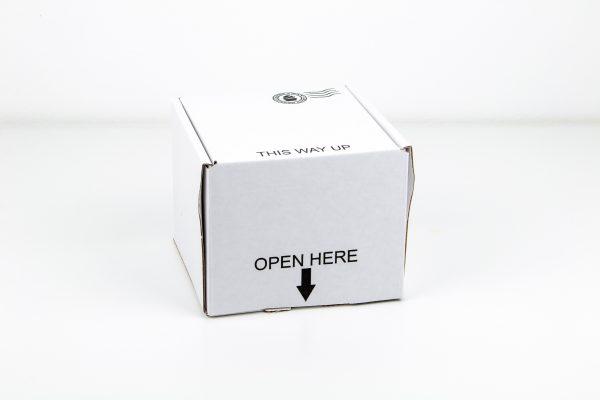यहां खोलें / इस तरह के डाक केक बॉक्स का उदाहरण