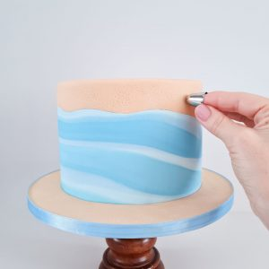 Learn to Prepare Marbled Fondant