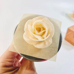 Pipe Buttercream Flower Petals