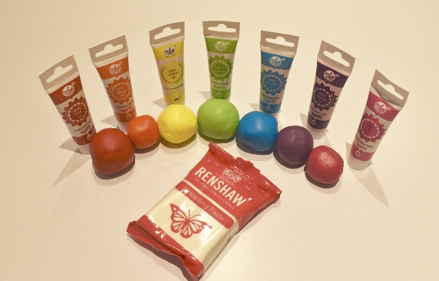Mix Various Pro Gel colours to make rainbow colours into 20g balls of Renshaw modelling paste.